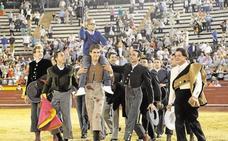 Procesan a tres tuiteros por amenazas de muerte a Adrián Hinojosa, el niño aficionado a los toros