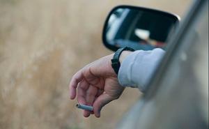 El gesto al volante que te puede costar 200 euros y cuatro puntos