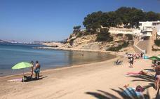 Reabren la playa del Portet de Moraira