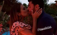 Un beso de regalo para Paula