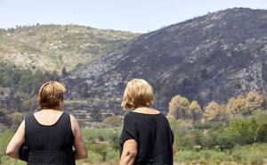 El incendio alcanza siete términos y ya ha quemado 3.270 hectáreas