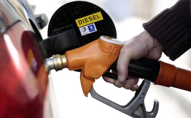 Industria anuncia una subida del precio del diésel en 2019