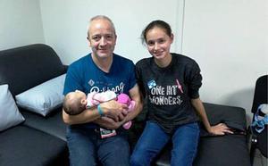 La ilicitana captada por una secta en Perú viaja a España para reunirse con su familia: «Estamos inmensamente felices por su vuelta»