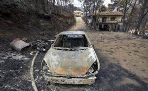 Los bomberos controlan el incendio de Lluxent pero 180 familias aún no pueden volver a casa