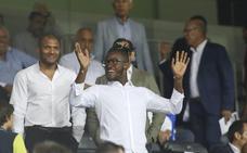 Batshuayi recibe el primer aplauso de su nueva afición