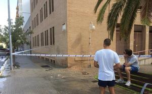 Un rayo impacta en los juzgados de Gandia sin causar heridos
