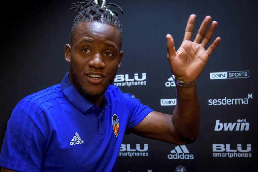 Presentación de Batshuayi como nuevo jugador del Valencia CF
