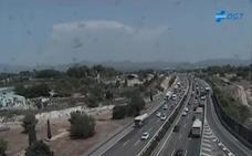 Retención kilométrica en el 'by-pass' por un accidente