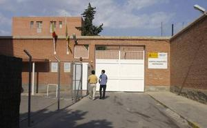 Un incendio afecta a cuatro casas junto a la cárcel de Fontcalent