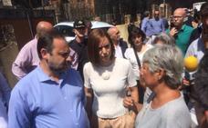 Vecinos afectados por el incendio protestan ante Ábalos y la alcaldesa de Gandia