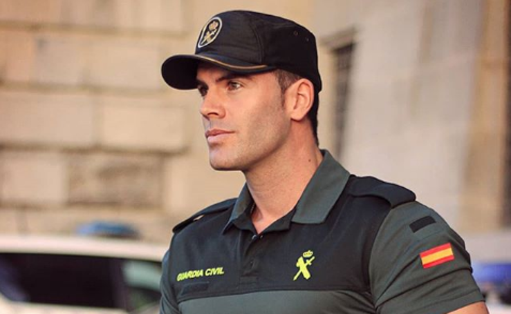 El guardia civil que causa furor en Instagram