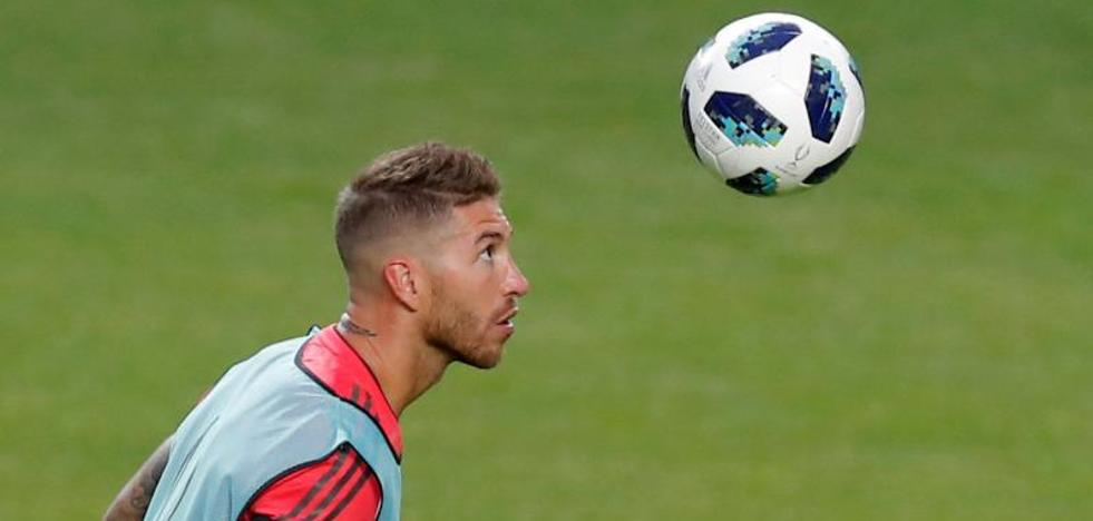 Sergio Ramos: «Siempre hemos sido una familia, no sé por dónde van los tiros de Cristiano»