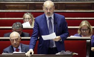 Ribó desoye al Defensor del Pueblo al no publicar las actas en castellano