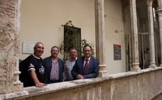 Dos vecinos de Pego donan más de 3.000 libros a la Biblioteca Valenciana