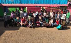 Galbis devuelve la sonrisa a los niños en Kenia