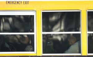 Muere por calor una niña de tres años al ser olvidada en autobús escolar en Tailandia