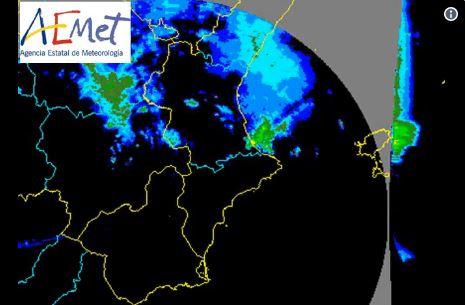 Más de 2.500 rayos impactan en Castellón de madrugada