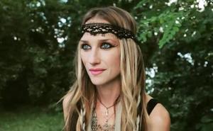 Se suicida a los 43 años la cantante del grupo heavy 'Huntress'