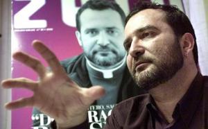 Muere el primer sacerdote que se declaró homosexual en España