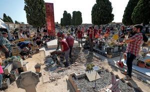 Arranca la exhumación de una fosa de Paterna para hallar restos de un centenar de fusilados del franquismo