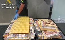 Incautan más de 800 cajetillas de tabaco ocultas en maletas en el aeropuerto de Valencia