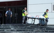 El asaltante de Cornellá recibió tres disparos, uno de ellos en la cabeza