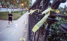 Cs denunciará en la Fiscalía la agresión por quitar lazos amarillos en Barcelona