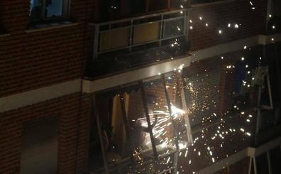 La cordà de Paterna abre fuego con el pasacalle de cohetes de lujo