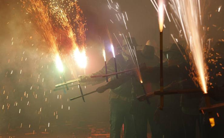 La cordà 2018 llena Paterna de fuego tras un pasacalles con cohetes de lujo