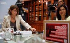 Delgado se rodea de juristas cercanos a Garzón para recuperar la justicia universal
