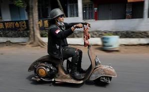 La Vespa al estilo 'Mad Max': tuneo extremo de la moto italiana