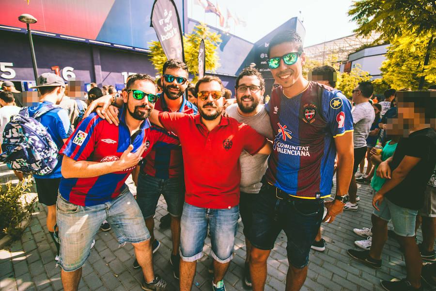 El día de la afición en el Levante UD - Valencia CF de la jornada 3