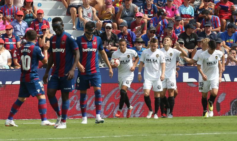Notas de los jugadores del Levante UD y el Valencia CF en el derbi