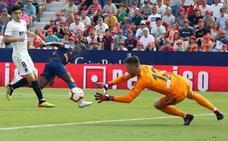 El drama defensivo del Valencia