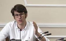 El juzgado da 10 días a Tona Català para indemnizar al asesor del PP al que insultó en Facebook