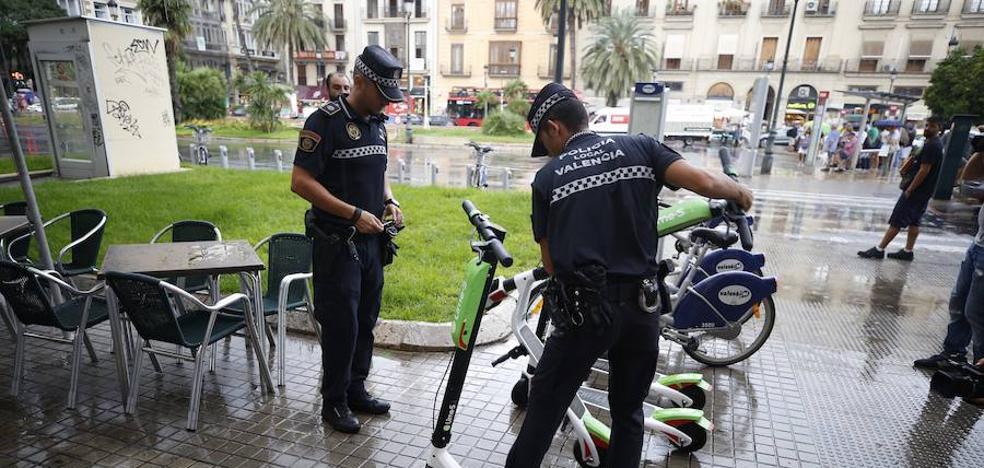 La empresa renuncia a colocar 150 patinetes tras los decomisos de la Policía Local de Valencia