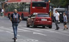 La empresa de los patinetes eléctricos pide aclarar cómo debe operar en Valencia y reprocha la «incertidumbre»