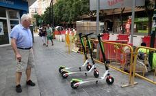 El PSPV propone un concurso para dar la exclusiva del alquiler de patinetes en la calle a dos empresas