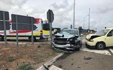 Tres heridos en el choque frontal de dos vehículos en la N-340