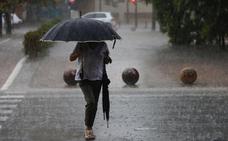 La gota fría provoca inundaciones, tumba árboles y desata un vendaval de 110 km/h