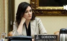 La ministra Carmen Montón habría obtenido un máster «plagado de irregularidades»