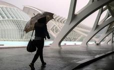 Aemet mantiene la alerta por lluvias fuertes puntuales en la Comunitat