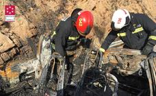 Dos personas mueren quemadas al volcar e incendiarse su coche en la AP-7