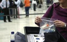 Las bandejas de los controles de los aeropuertos tienen más virus que los inodoros