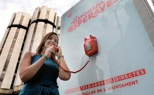 La campaña de empleo de la socialista Sandra Gómez desata las protestas de Compromís