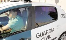 Detenidos tres menores del centro de Buñol por presuntos abusos a dos niñas en los columpios de un parque