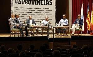Leyendas del Valencia abren su corazón en la presentación del libro 'Un siglo de pasión'