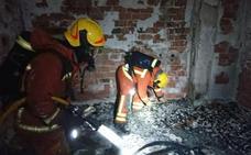 Un hombre sufre quemaduras en el 50% de su cuerpo tras arder su casa en Buñol