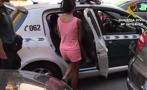 Arrestados una abuela, su hija y su nieto por vender cocaína y cannabis a niños en Torrevieja