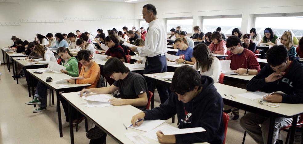 El Gobierno acaba con los recortes en educación de Rajoy